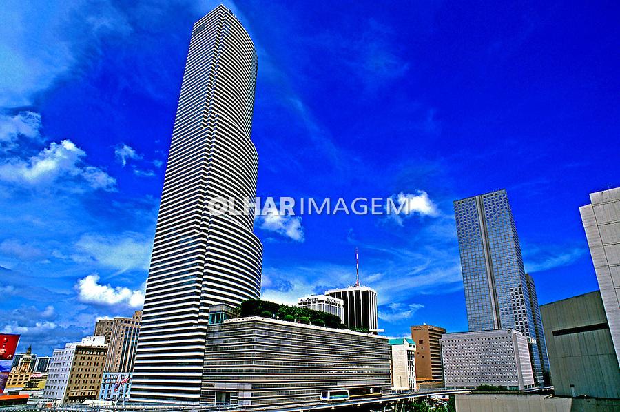 Arquitetura moderna em Miami. EUA. 2000. Foto de Stefan Kolumban.