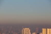 São Paulo (SP), 12/07/2019 - Clima / São Paulo / Poluição -  Faixa de poluição é vista sobre a região central de São Paulo na manhã desta sexta-feira, 12. (Foto: Luiz Guarnieri/Brazil Photo Press)