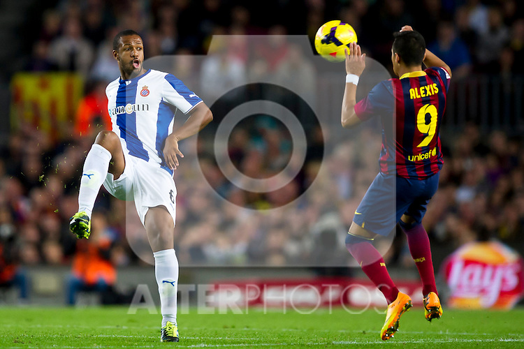 FC Barcelona's Alexis Sanchez (right) and RCD Espanyol's Sidnei Rechel Da Silva Junior (left) during La Liga 2013-2014 match. November 1, 2013. (ALTERPHOTOS/Alex Caparros)