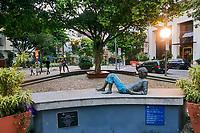 Praça do Cazuza, bairro Leblon, Rio de Janeiro. 2019. <br /> Foto de Juca Martins.