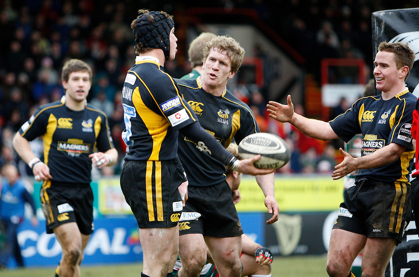 Photo: Richard Lane/Richard Lane Photography..Leicester Tigers v London Wasps. Guinness Premiership. 29/03/2008. Wasps' Danny Cipriani celebrates his try with Tom Rees and Eoin Reddan.