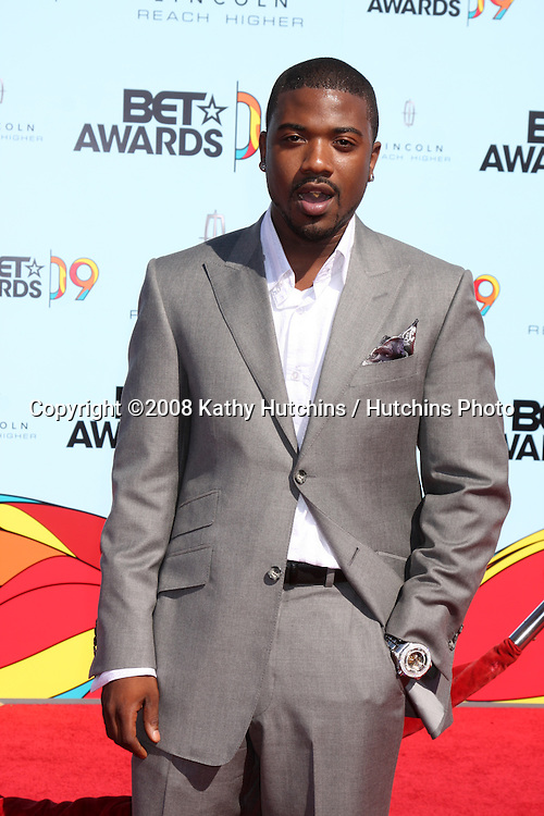 LOS ANGELES - June 28:  Ray J Norwood arriving at  the BET Awards 2009 at the Shrine Auditorium  on June 28, 2009 in Los Angeles, CA.