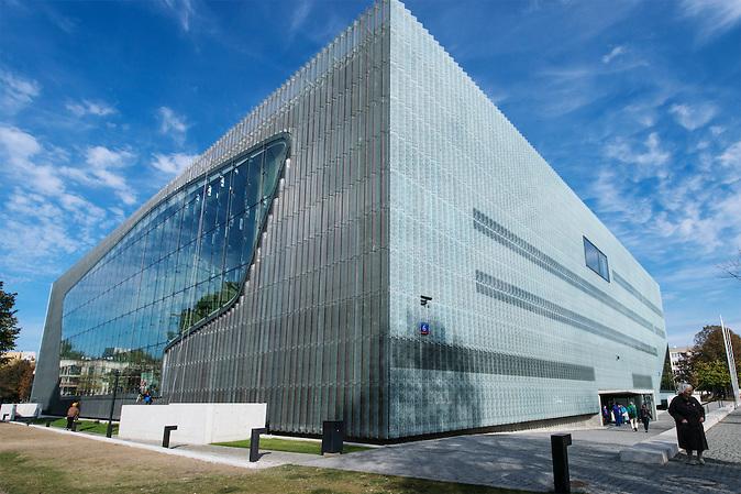 Das Gebäude des neuen Jüdischen Museums in Warschau.