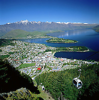 New Zealand, South Island, Queenstown: View over City and Lake Wakatipu | Neuseeland, Suedinsel, Queenstown: City und Lake Wakatipu