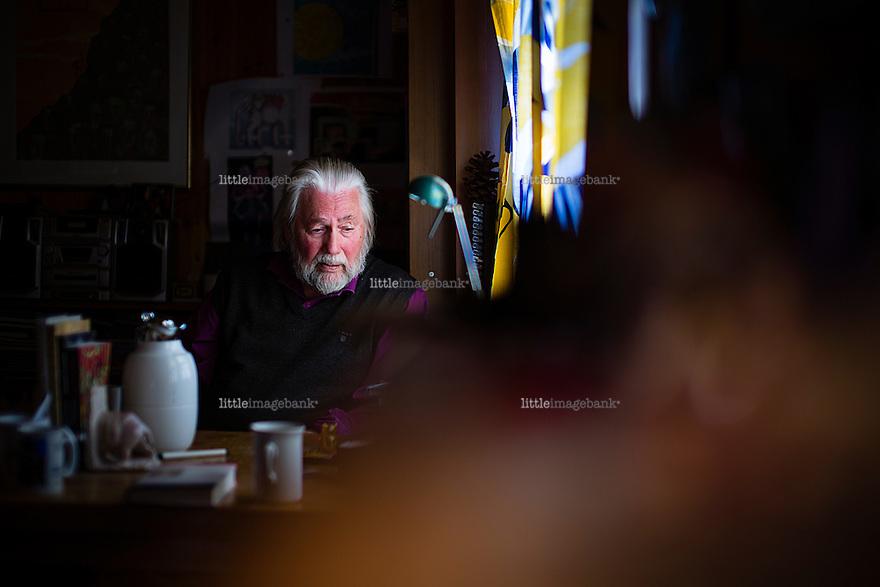Hølen, Vestby, 03.04.2013. Tor Åge Bringsværd (født 16. november 1939 i Skien) er en norsk forfatter kjent for romaner og fabelprosa. Foto: Christopher Olssøn.