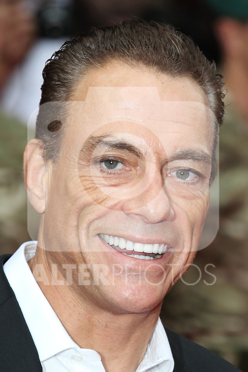 LONDON - AUGUST 13: Jean-Claude Van Damme attended the UK Film Premiere of 'The Expendables 2', Leicester Square, London, UK. August 13, 2012. (Photo by Richard Goldschmidt) /NortePhoto.com.... **CREDITO*OBLIGATORIO** *No*Venta*A*Terceros*..*No*Sale*So*third* ***No*Se*Permite*Hacer Archivo***No*Sale*So*third*