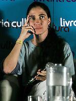 SAO PAULO, SP, 21 DE FEVEREIRO 2013 - YOANI SANCHEZ - SAO PAULO - A jornalista e blogueira cubana Yoani Sánchez durante debate com blogueiros no Cine Cultura na noite desta quinta-feira na na regiao da avenida Paulista. FOTO: WILLIAM VOLCOV / BRAZIL PHOTO PRESS.