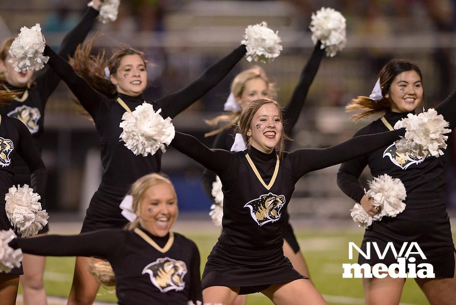 NWA Democrat-Gazette/BEN GOFF @NWABENGOFF<br /> Bentonville vs Bixby, Okla. football on Friday Sept. 9, 2016 at Tiger Stadium in Bentonville.