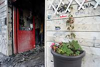 """Roma, 9 Novembre 2019<br /> Baraka Bistrot.<br /> Il Baraka Bistrot in Via dei Ciclamini nel quartiere Centocelle, è stato distrutto da un incendio doloso nella notte del 9 Novembre, a pochi metri della libreria caffè Pecora Elettrica incendiata per la seconda volta il 6 Novembre e la Pizzeria """" Pinseria Romana"""" incendiata lo scorso mese.<br /> Dai primi accertamenti l'atto potrebbe essere doloso: la serranda è stata divelta e ci sono tracce di liquido infiammabile. Sul posto polizia e carabinieri. Con questo sono quattro i locali andati a fuoco nel quartiere di Centocelle in pochi mesi.La situazione sta diventando drammetica e gli esercenti vivono nel terrore"""