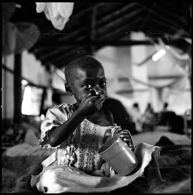Kuito, Angola, May 22, 2006.Luticacinda, 4, in the MSF Belgium operated TFC. Children mortality is very high in Angola.