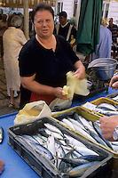 Europe/Croatie/Dalmatie/Split: Pêche du jour sur le marché - Marchande