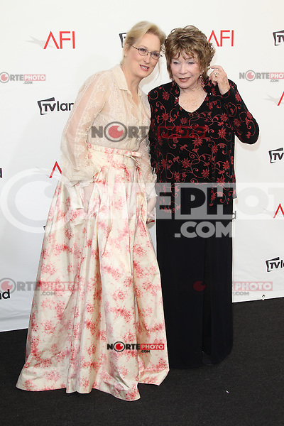 Meryl Streep and Shirley MacLaine at the 40th AFI Life Achievement Award honoring Shirley MacLaine held at Sony Pictures Studios on June 7, 2012 in Culver City, California. ©mpi26/ MediaPunch Inc. /NORTEPHOTO.COM
