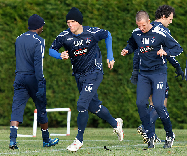 Lee McCulloch and Kenny Miller going through their fitness routines