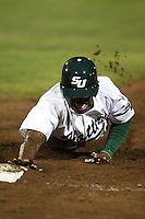 February 20, 2010:  Third Baseman Mark Jones (4) of the Stetson Hatters during the teams opening series at Melching Field at Conrad Park in DeLand, FL.  Photo By Mike Janes/Four Seam Images