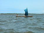 Sailing pirogue, Lac Togo