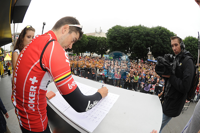 Tony Gallopin (FRA) Lotto-Belisol signs on before the start of Stage 7 of the 2014 Tour de France running 234.5km from Epernay to Nancy. 11th July 2014.<br /> Photo ASO/G.Demouveaux/www.newsfile.ie