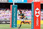 Stedman Gans of South Africa runs scores a try during the HSBC Hong Kong Sevens 2018 match between South Africa and England on April 7, 2018 in Hong Kong, Hong Kong. Photo by Marcio Rodrigo Machado / Power Sport Images