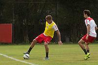 SÃO PAULO, SP, 18.08.2015 - FUTEBOL-SÃO PAULO -  Lucas Perri durante treino do São Paulo Futebol  no Centro de Treinamento da Barra Funda, na manhã desta terça-feira (18). (Foto: Adriana Spaca/Brazil Photo Press)