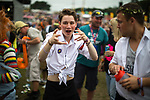 © Joel Goodman - 07973 332324. 06/08/2017 . Macclesfield , UK . Crowds in fancy dress at the Rewind Festival , celebrating 1980s music and culture , at Capesthorne Hall in Siddington . Photo credit : Joel Goodman
