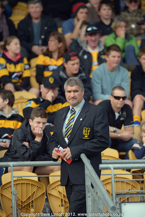 Taranaki coach Colin Cooper walks up to the coaches' box during Taranaki's Ranfurly Shield defence against Wanganui at Yarrow Stadium, New Plymouth, New Zealand on Saturday, 4 August 2012. Photo: Dave Lintott / lintottphoto.co.nz