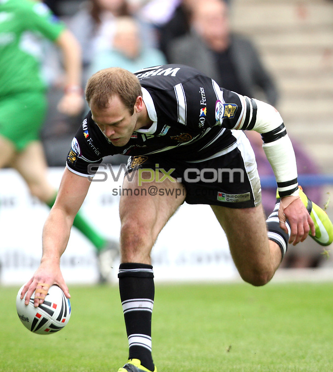 PICTURE BY DANIEL HARRISON/SWPIX.COM...Rugby League - Challenge Cup - Widnes Vikings v Hull FC - Stobart Stadium, Widnes, England - 21/05/11...Hull FC's Richard Whiting touches down.