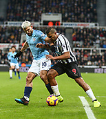 29th January 2019, St James Park, Newcastle upon Tyne, England; EPL Premier League football, Newcastle United versus Manchester City; Jose Salomon Rondon of Newcastle United holds off a challenge from Sergio Aguero of Manchester City