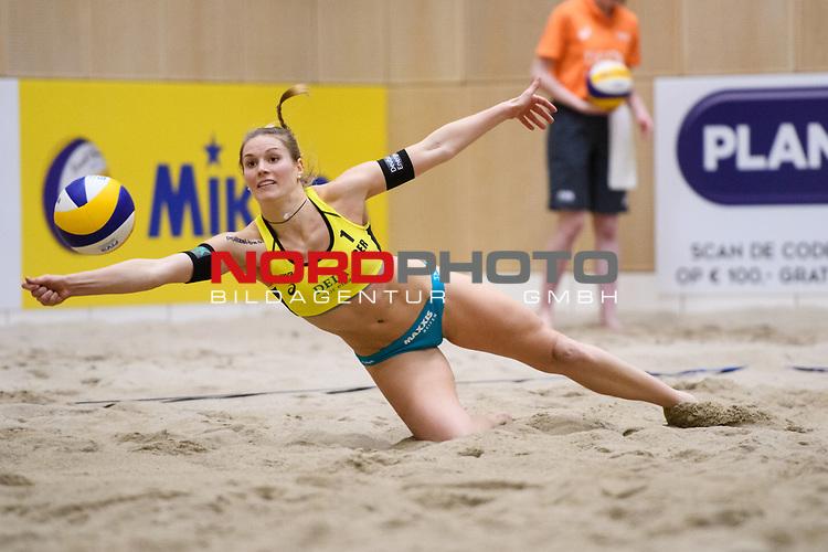 05.01.2019, Den Haag, Sportcampus Zuiderpark<br />Beachvolleyball, FIVB World Tour, 2019 DELA Beach Open<br /><br />Abwehr Kim Behrens (#1 GER)<br /><br />  Foto &copy; nordphoto / Kurth