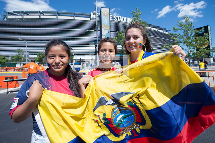 Photo before the match Ecuador vs Haiti, Corresponding to  Group -B- of the America Cup Centenary 2016 at Metlife Stadium.<br /> <br /> Foto previo al partido Ecuador vs Haiti, Correspondiente al Grupo -B- de la Copa America Centenario 2016 en el Estadio Metlife, en la foto: Fans<br /> <br /> <br /> 12/06/2016/MEXSPORT/Javier Ramirez.