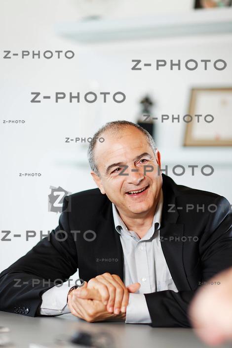 Interview mit Valentin Chapero, CEO Sonova, (Phonak) im Hauptsitz in Staefa Laubisruetistrasse 28, Zuerich am 8. April 2010<br /> <br /> Copyright &copy; Zvonimir Pisonic
