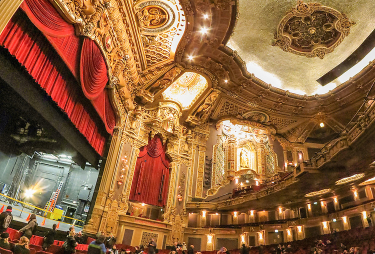 Interior of the Chicago Oriental Theatre as seen during Chicago Open House, October 2014. (DePaul University/Jamie Moncrief)