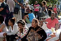 Roma,23 Agosto 2017<br /> Piazza Indipendenza<br /> La Polizia cerca di sgomberare il giardino dove si sono accampati i rifugiati eritrei e Somali sgomberati sabato dal palazzo di Via Curtatone.<br /> Resistenza e proteste