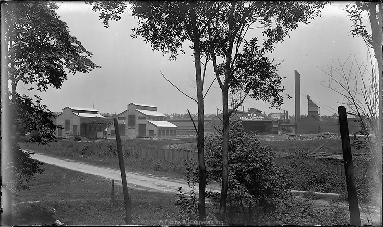 An exterior view of the Otis Steel Company in Cleveland, Ohio, circa 1915.
