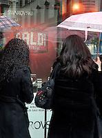 Apertura dei saldi invernali a Roma, 3 gennaio 2008..Opening of winter sales in Rome, 3 january 2008..UPDATE IMAGES PRESS/Riccardo De Luca