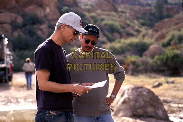 OLAND EMMERICH (EXECUTIVE PRODUCER) & DEAN DEVLIN (PRODUCER).on the set of Eight Legged Freaks.Ref: FBAW.*Editorial Use Only*.www.capitalpictures.com.sales@capitalpictures.com.Supplied by Capital Pictures.