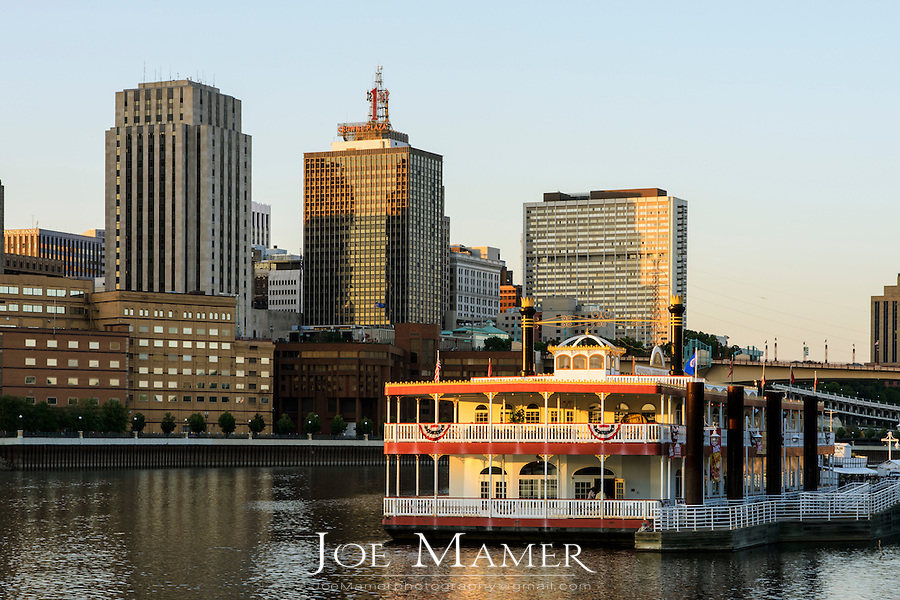 Saint Paul, Minnesota skyline with river boat