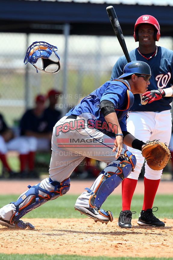 GCL Mets catcher Jeyckol De Leon #25 during a game against the GCL Nationals at the Washington Nationals Minor League Complex on June 20, 2011 in Melbourne, Florida.  The Nationals defeated the Mets 5-3.  (Mike Janes/Four Seam Images)