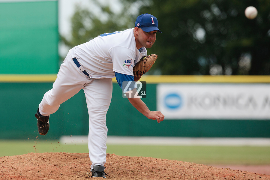 30 july 2010: Carlos Richetti of Italy pitches against France during Italy 9-2 win over France, in day 6 of the 2010 European Championship Seniors, at TV Cannstatt ballpark, in Stuttgart, Germany.