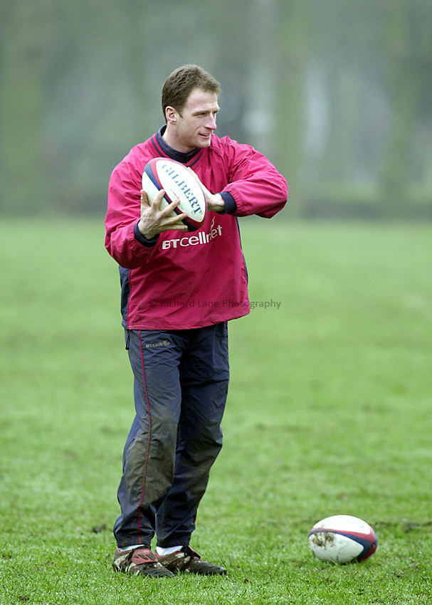 Photo. Rob Mathews.England Training. Sandhurst. 14.02.2001.Mike Catt in training before the game with the Italiens in which he would gain his fiftieth cap.