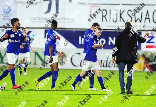 2015-04-25 / Voetbal / seizoen 2014-2015 / Hoogstraten VV - KV Turnhout / Yannis Haneveer (R.) scoorde de 2-2 voor KV Turnhout<br /><br />Foto: Mpics.be