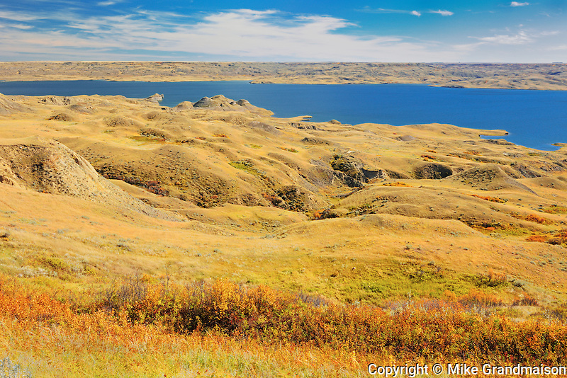 Grasslands and badlands around Lake Diefenbaker in autumn<br /> near Beechy<br /> Saskatchewan<br /> Canada