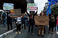 Sao Paulo, 08.05.2019 - ATO PELA EDUCAÇÃO - Estudantes e pesquisadores se reuniram na tarde desta quarta-feira (8), no vao do Masp, em Sao Paulo, para protestar contra os cortes e o desmanche da Educaçao, promovidos pelo Governo Federal.  (Foto: Carla Carniel/Código19)