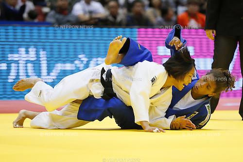 (L-R) Kaori Matsumoto, (JPN), Rafaela Silva (BRA), DECEMBER 5, 2015 - Judo : IJF Grand Slam Tokyo 2015 International Judo Tournament Women's -57kg pool D Match at Tokyo Metropolitan Gymnasium, Tokyo, Japan. (Photo by Yusuke Nakanishi/AFLO SPORT)