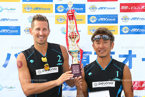 Koichi Nishimura &amp; Ty loomis<br /> SEPTEMBER 21, 2015 - Beach Volleyball : <br /> JBV Tour 2015 Tokyo Open<br /> Men's Award Ceremony<br /> at Odaiba Beach, Tokyo, Japan.<br /> (Photo by Shingo Ito/AFLO SPORT)