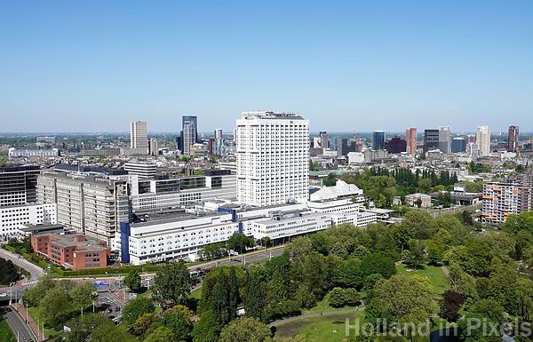 Nederland Rotterdam - mei 2018.  Rotterdam centrum gezien vanaf de Euromast. Op de voorgrond het Erasmus MC ziekenhuis. Foto Berlinda van dam / Hollandse Hoogte