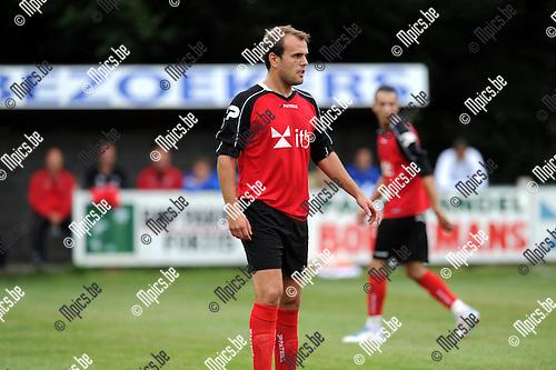 2012-07-31 / Voetbal / seizoen 2012-2013 / Mariekerke / Kane Develer..Foto: Mpics.be