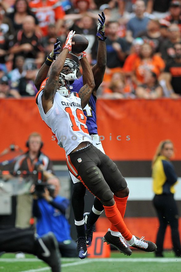 CLEVELAND, OH - JULY 18, 2016: Wide receiver Corey Coleman #19 of the Cleveland Browns catches a pass in the third quarter of a game against the Baltimore Ravens on July 18, 2016 at FirstEnergy Stadium in Cleveland, Ohio. Baltimore won 25-20. (Photo by: 2017 Nick Cammett/Diamond Images)  *** Local Caption *** Corey Coleman(SPORTPICS)