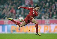 FUSSBALL   1. BUNDESLIGA  SAISON 2012/2013   27. Spieltag   FC Bayern Muenchen - Hamburger SV    30.03.2013 Javi Martinez (FC Bayern Muenchen) am Ball