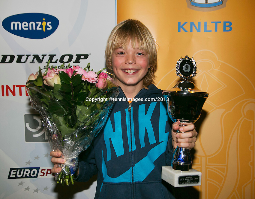 01-12-13,Netherlands, Almere,  National Tennis Center, Tennis, Winter Youth Circuit, Boys 12 years , winner:  Liam Liles<br /> Photo: Henk Koster