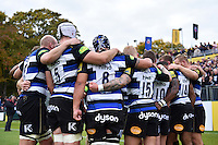 The Bath Rugby team huddle together at half-time. Aviva Premiership match, between Bath Rugby and Exeter Chiefs on October 17, 2015 at the Recreation Ground in Bath, England. Photo by: Patrick Khachfe / Onside Images