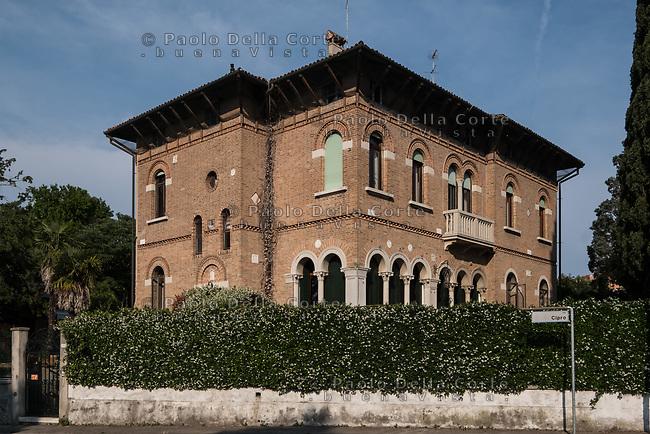 Venezia - Il Lido. Itinerario Liberty in via Cipro.